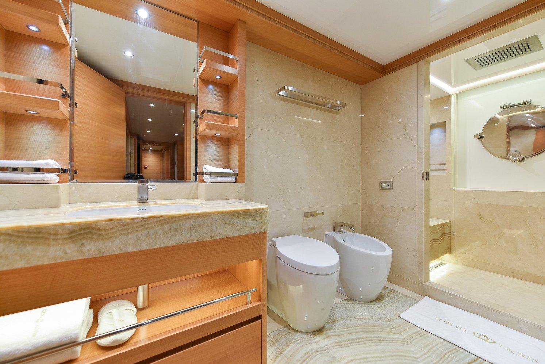 Double Guest En Suite (1)