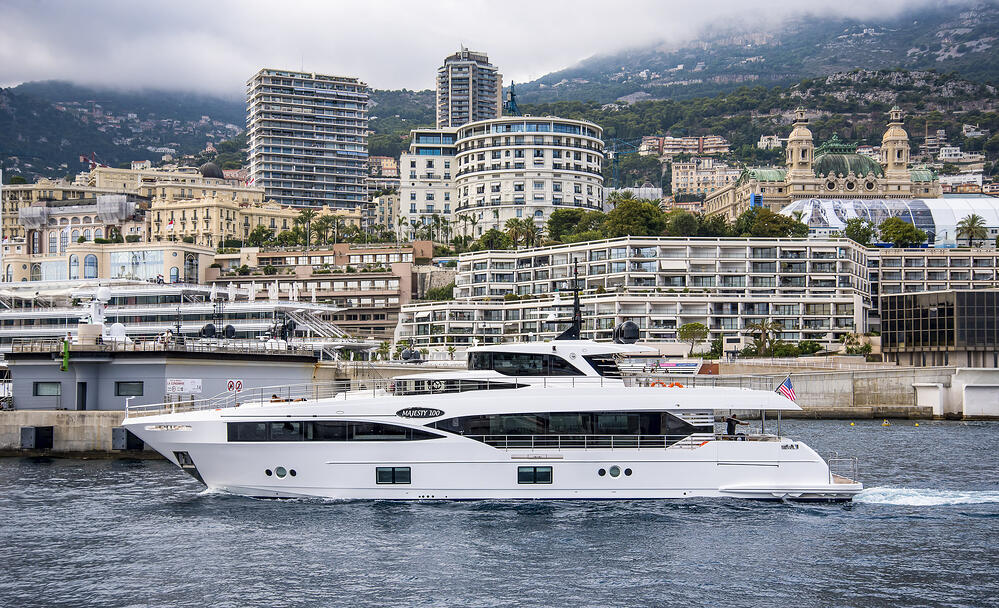 Majesty 100 arriving at the port of Monaco.jpg