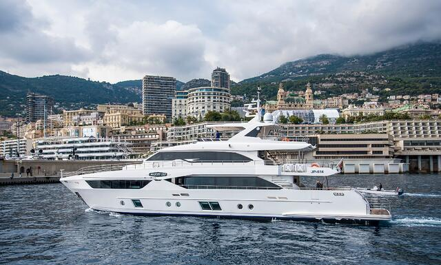 Majesty 110 arriving at the port of Monaco.jpg