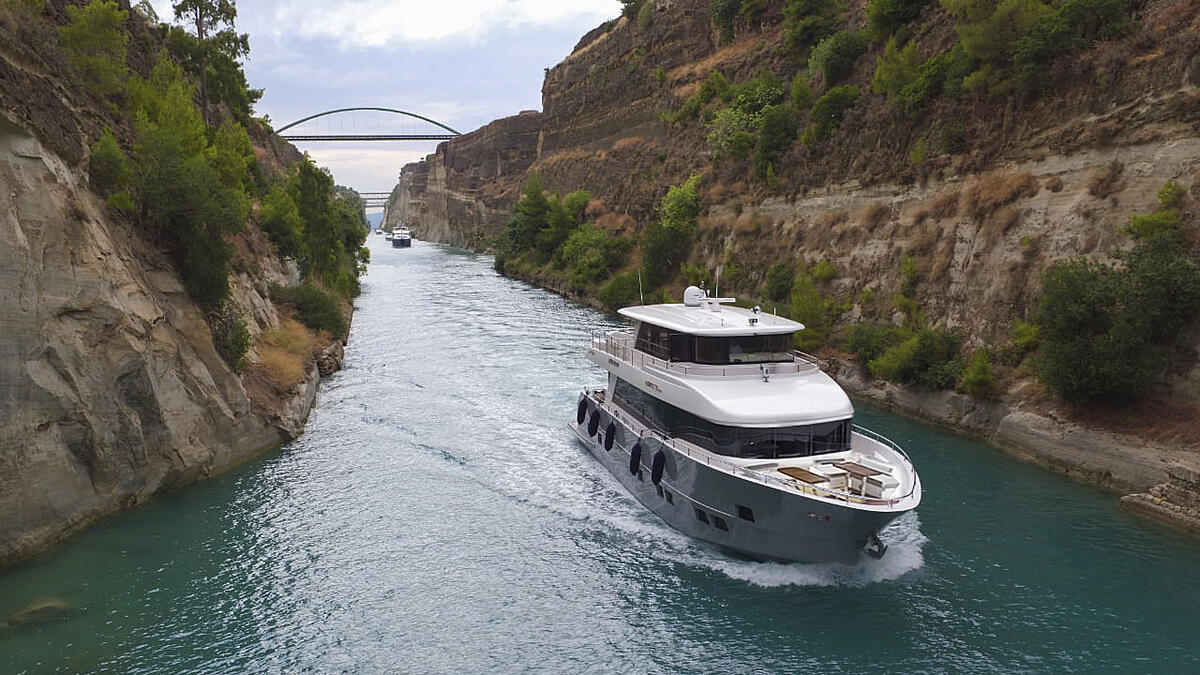Nomad 75 SUV in Corinth Canal