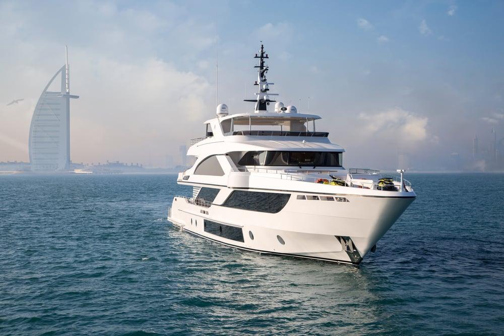 Majesty 140 Posing infront of Burj Al Arab after her Global Premiere in Dubai International Boat Show 2018.jpg