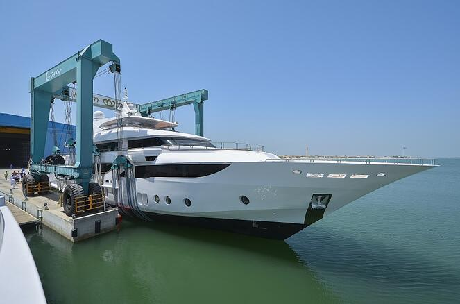 Majesty 155 hits the water for the first time.