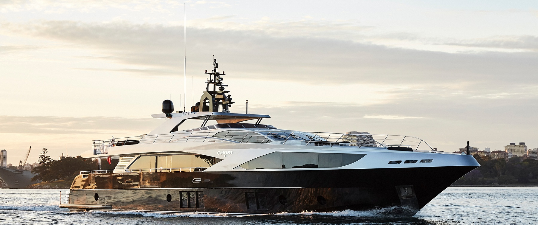 Majesty 122 (M/Y Ghost) Exetrior photo