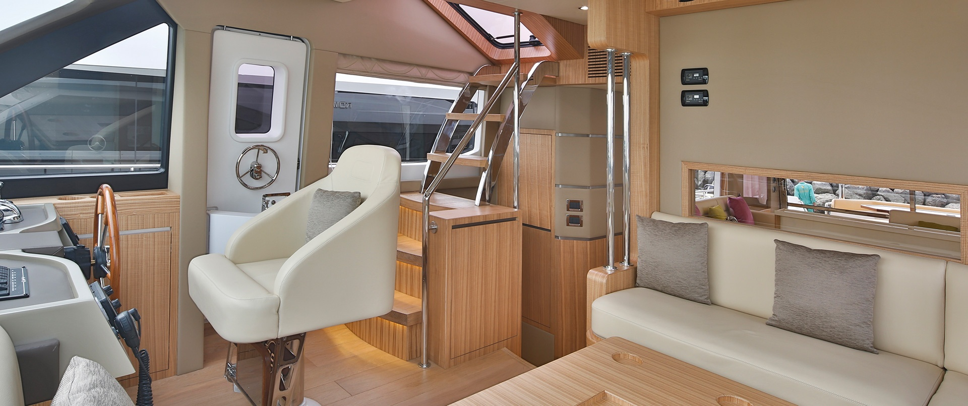 nomad-65-saloon.jpg