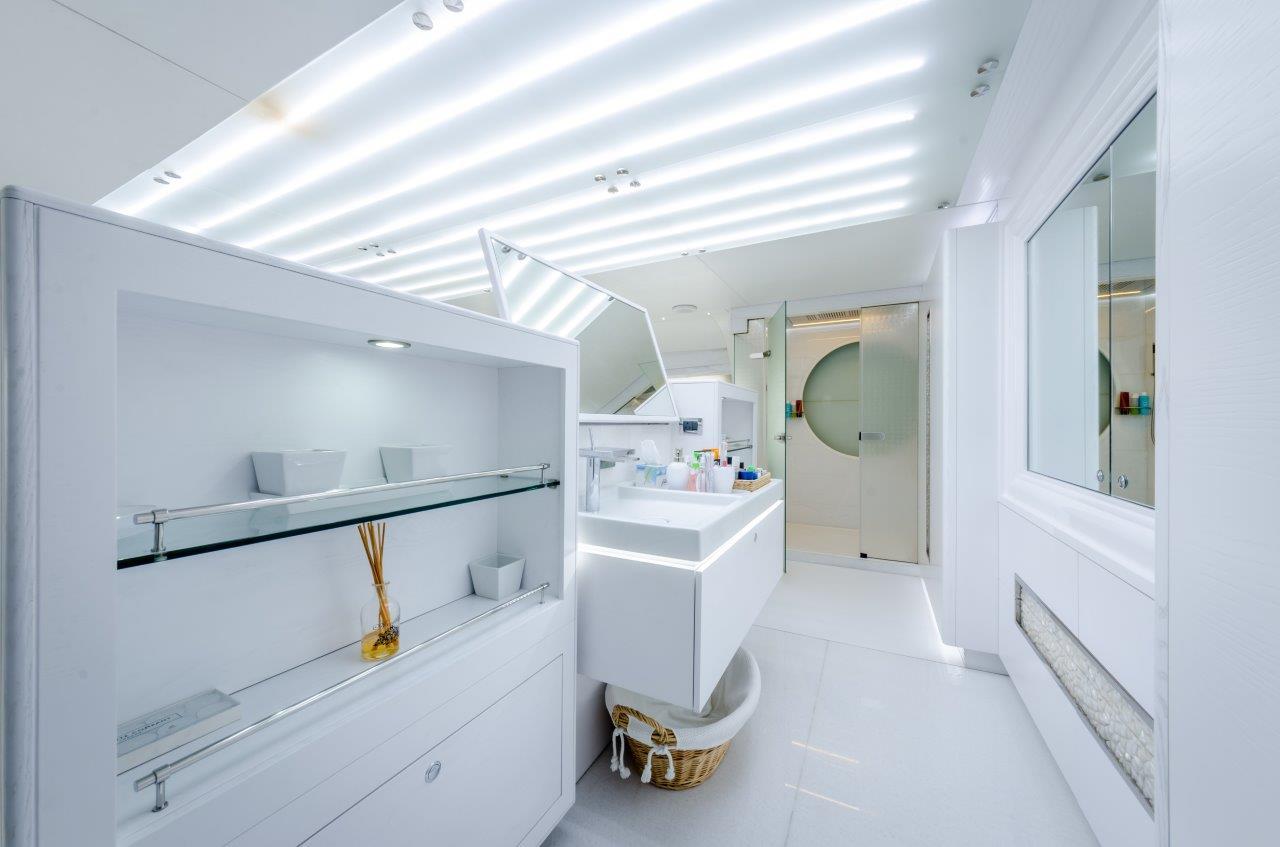 Owner's En Suite (1)-1