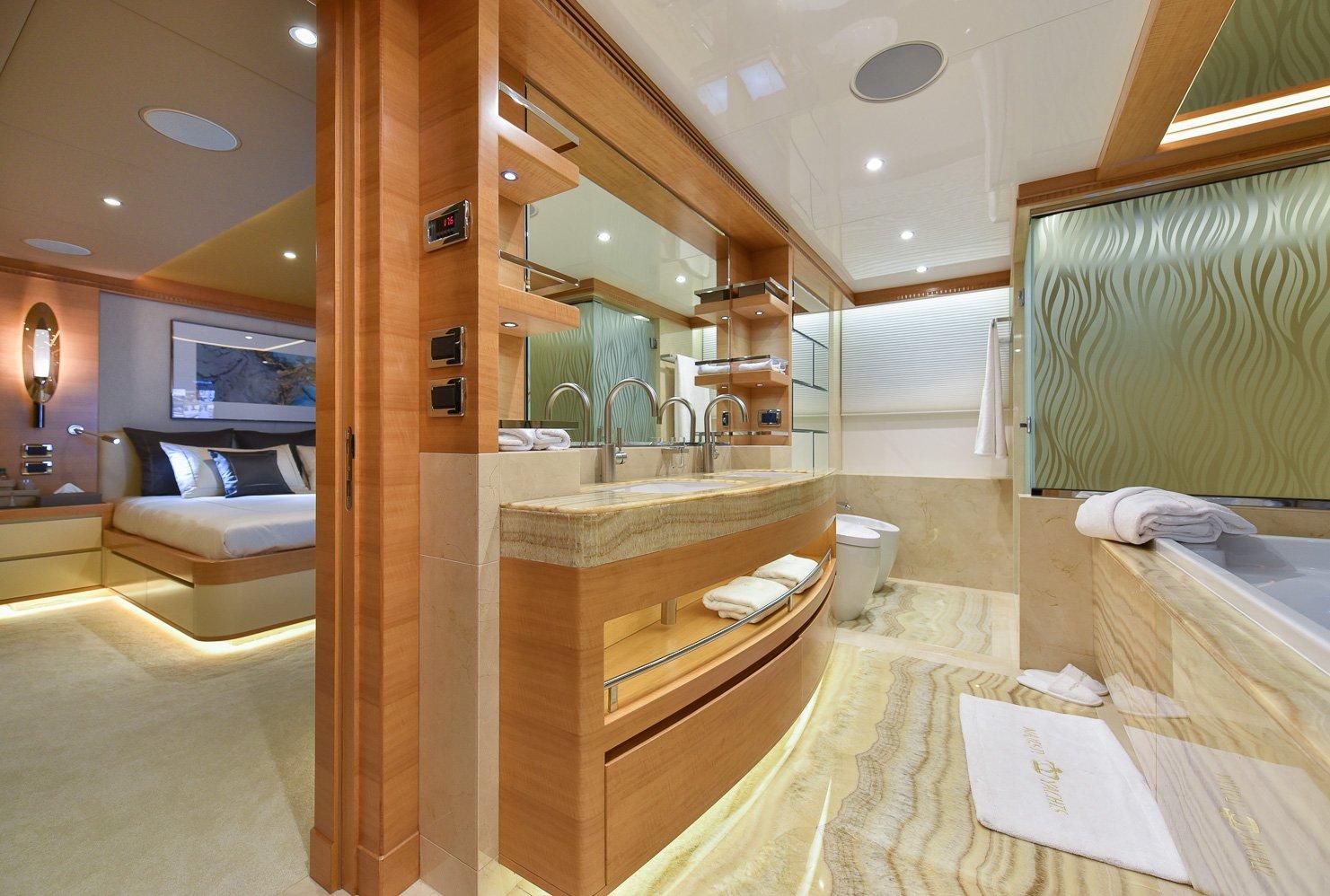 Owner's En Suite (2)