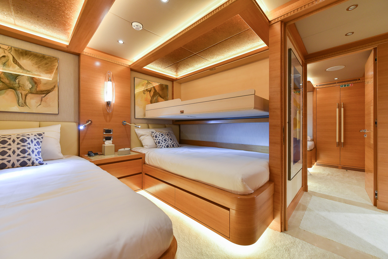 Twin Guest Stateroom (2)
