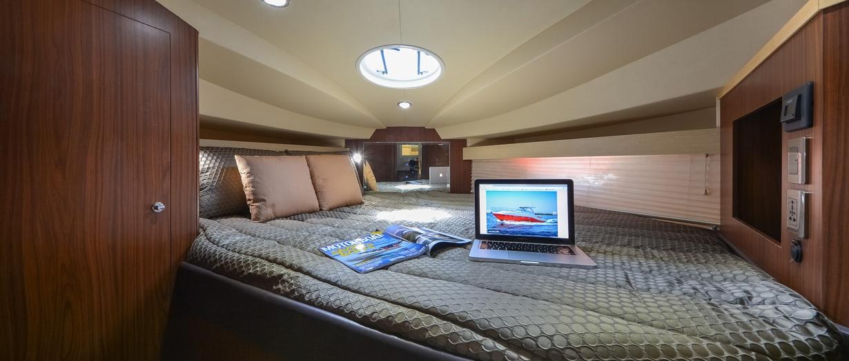 oryx-36-owners-cabin.jpg