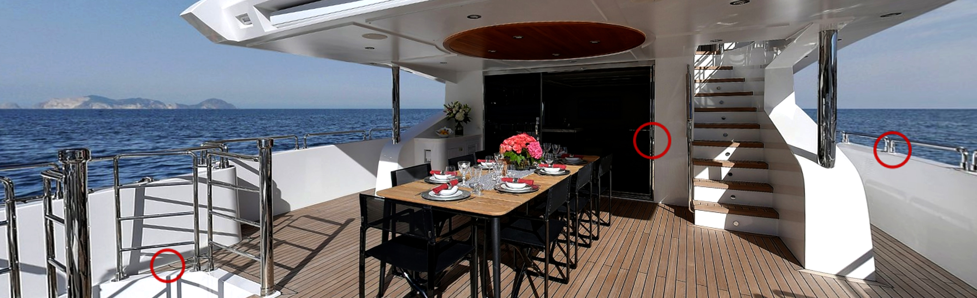 Majesty-125-upper-deck-dining