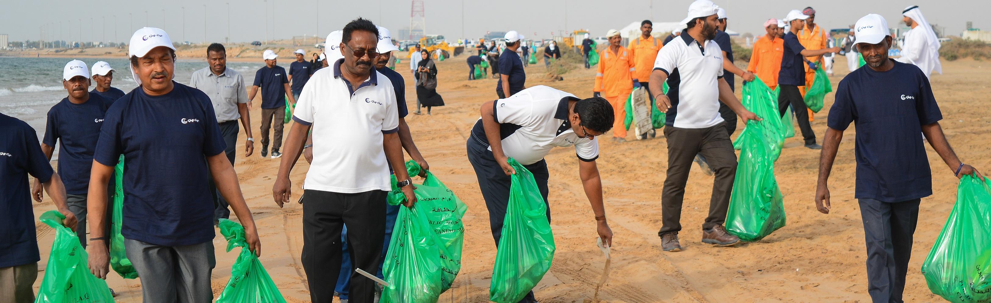 Beach-clean-up-Gulf-Craft