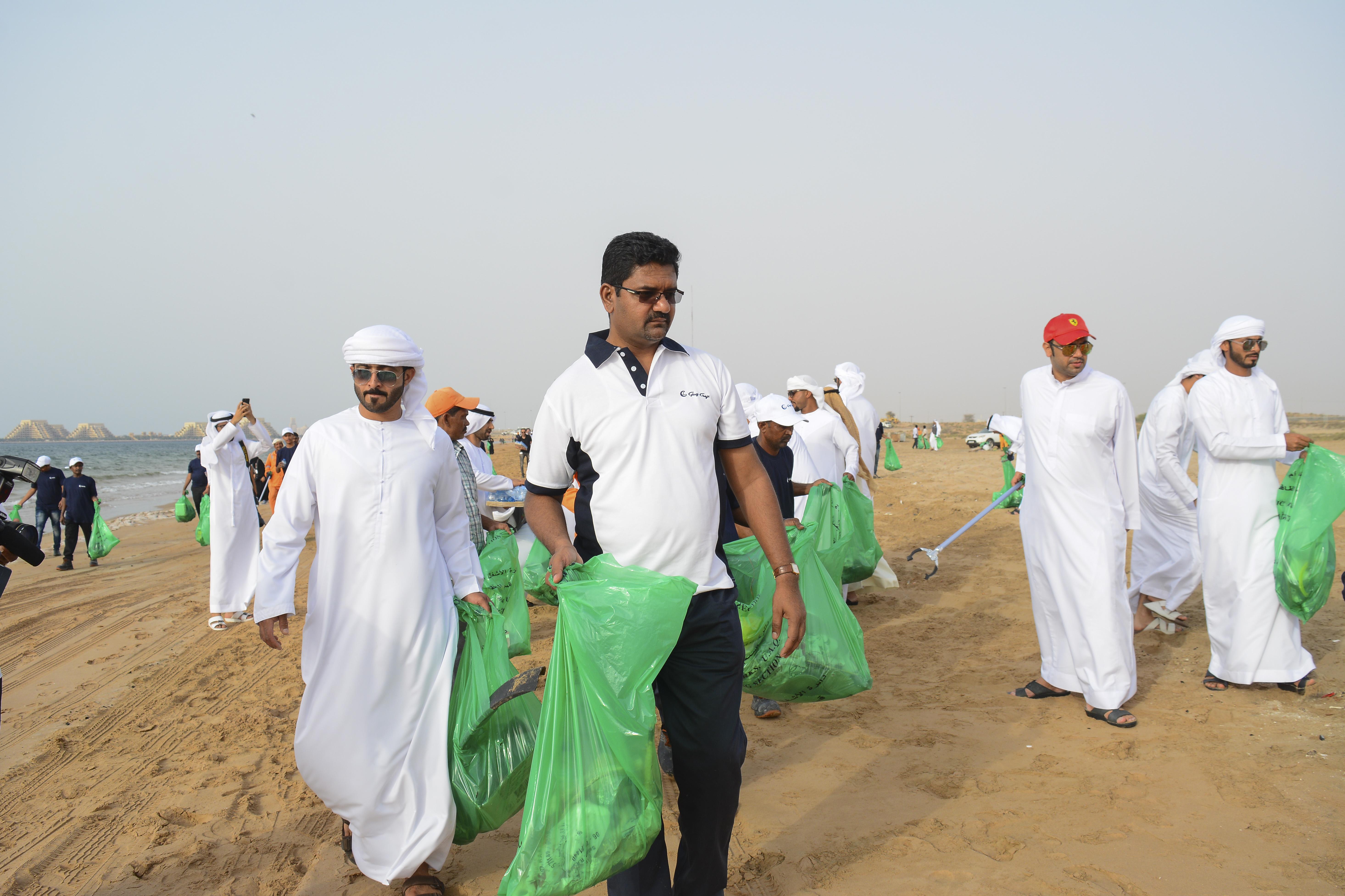 Gulf Craft Beach Clean up 2018 (7).jpg