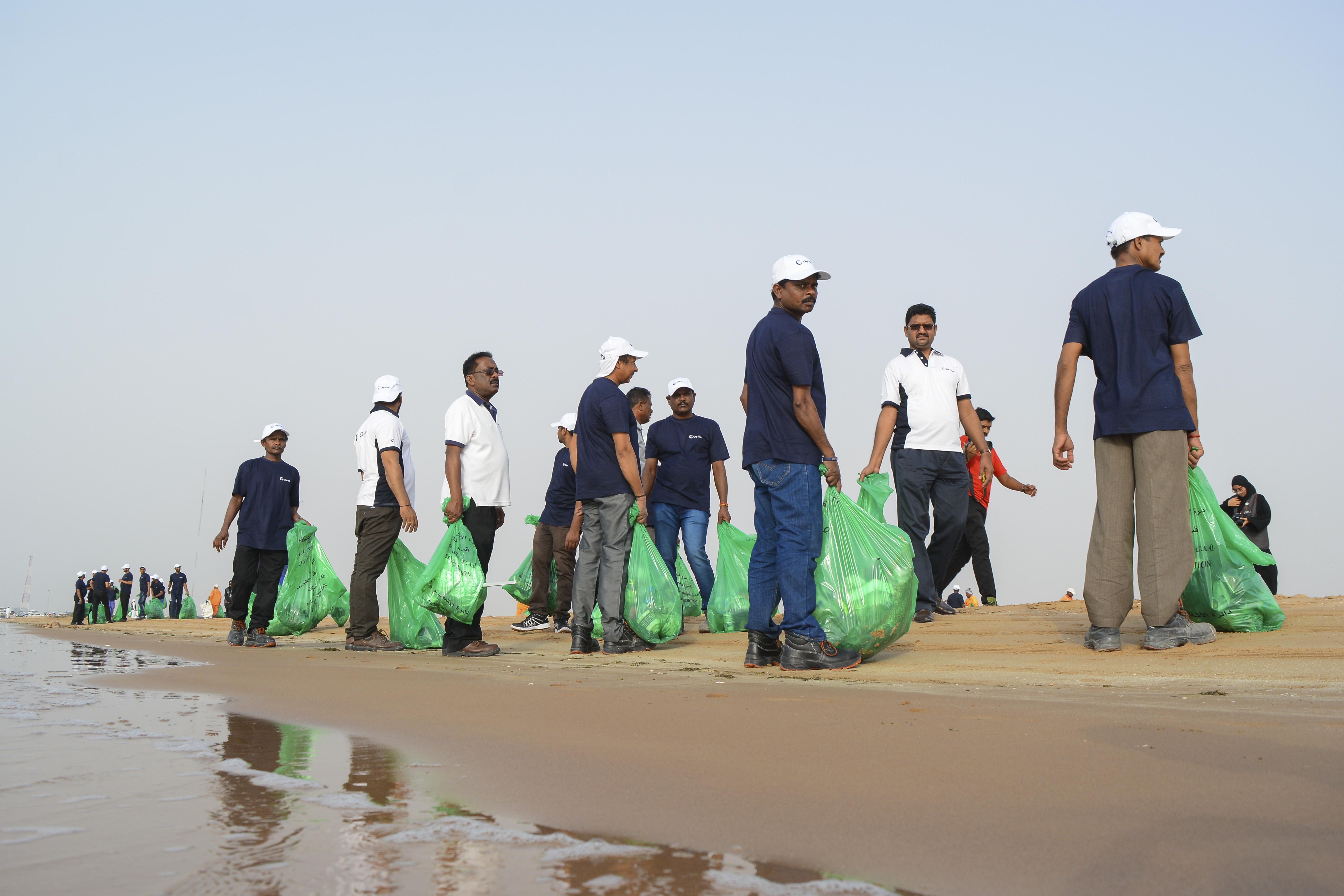 Gulf Craft Beach Clean up 2018 (8).jpg