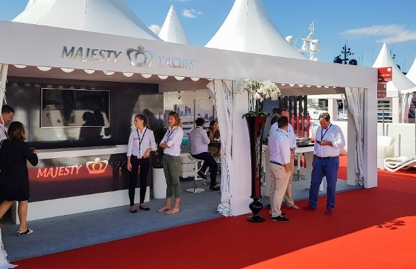 Cannes Yachting Festival 2017 Day 3 (1).jpg