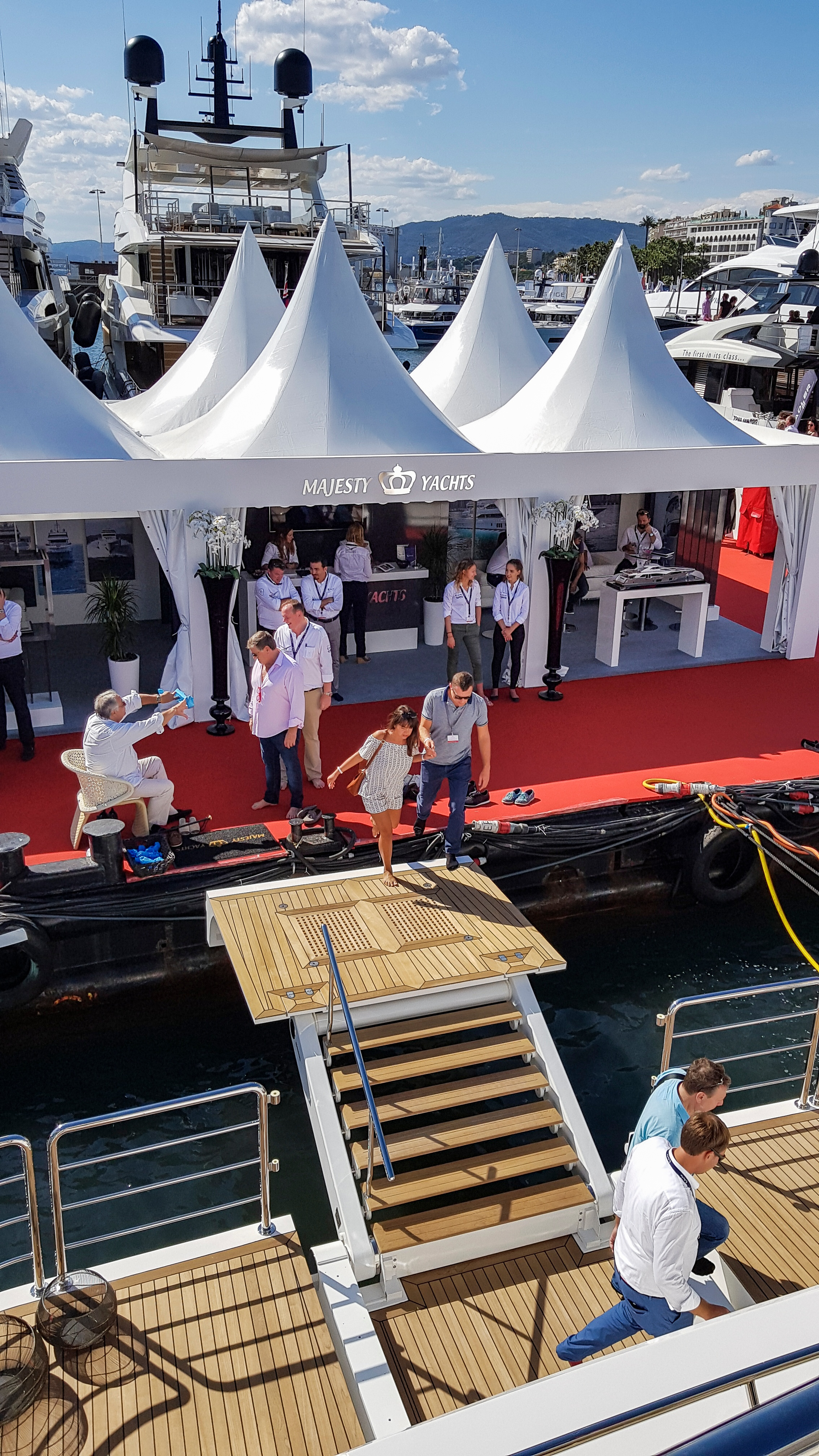 Cannes Yachting Festival 2017 Day 3 (10).jpg