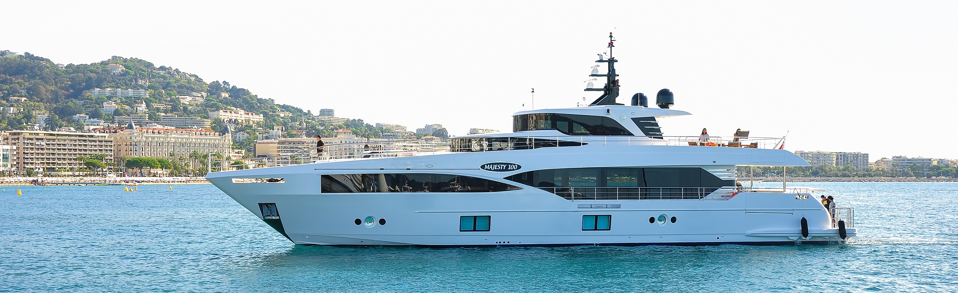 Majesty-100-as-it-enters-Cannes-Yachting-Festival.jpg