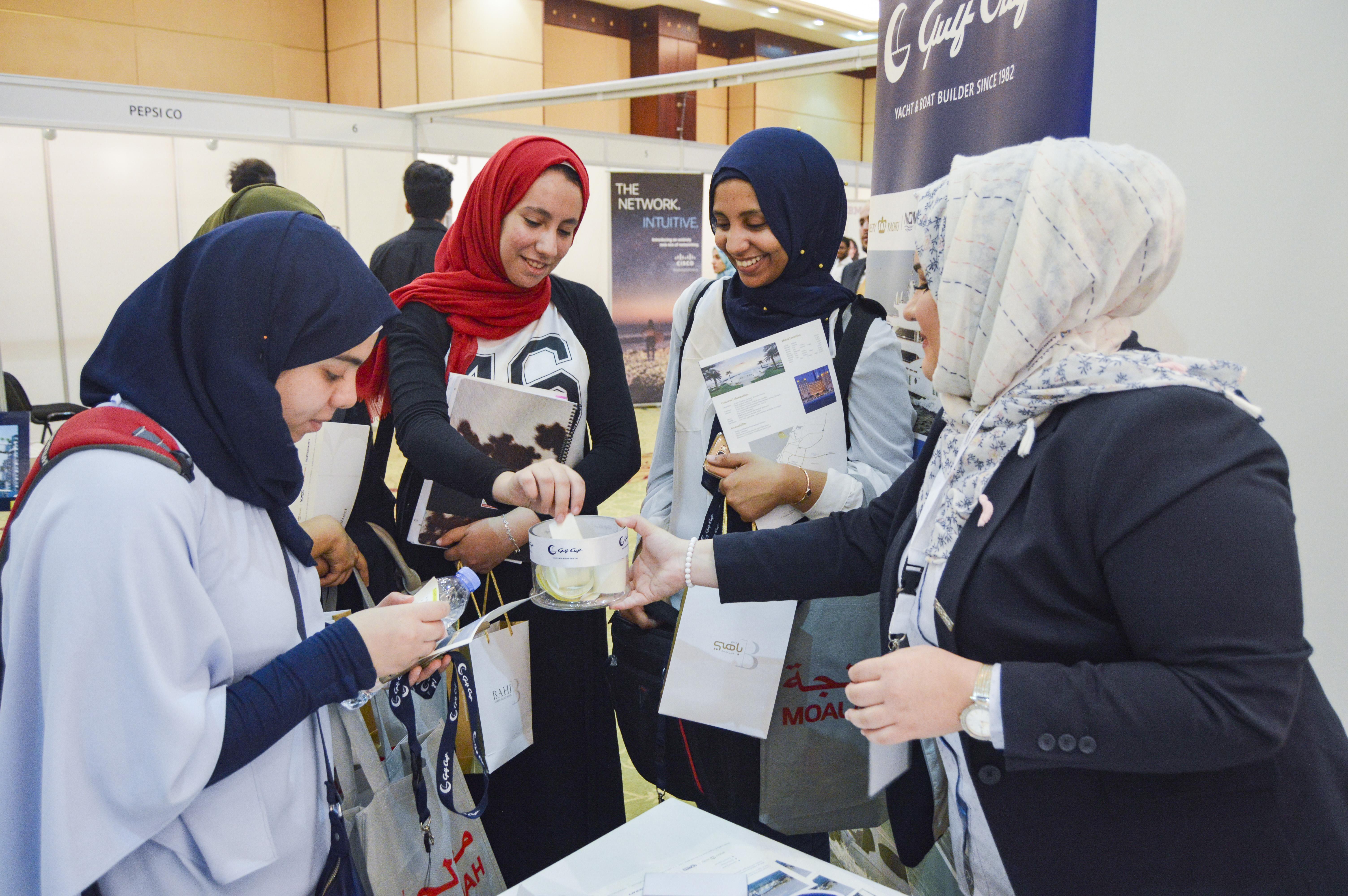 Gulf Craft at Ajman University Job Fair 2018 (13).jpg