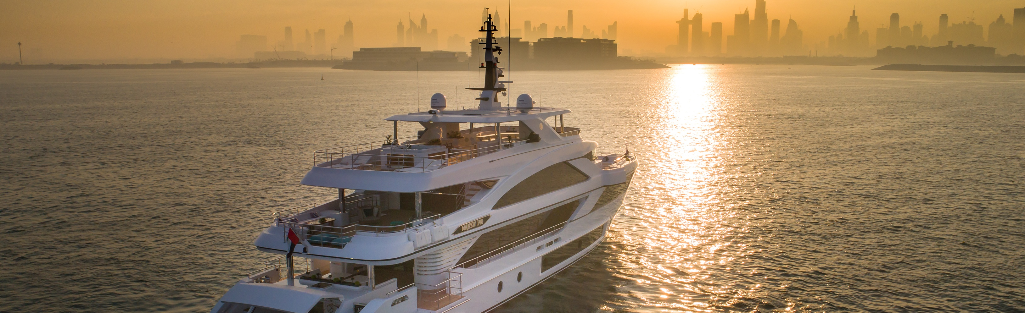 Majesty-140,-SuperYacht-Russia-magazine