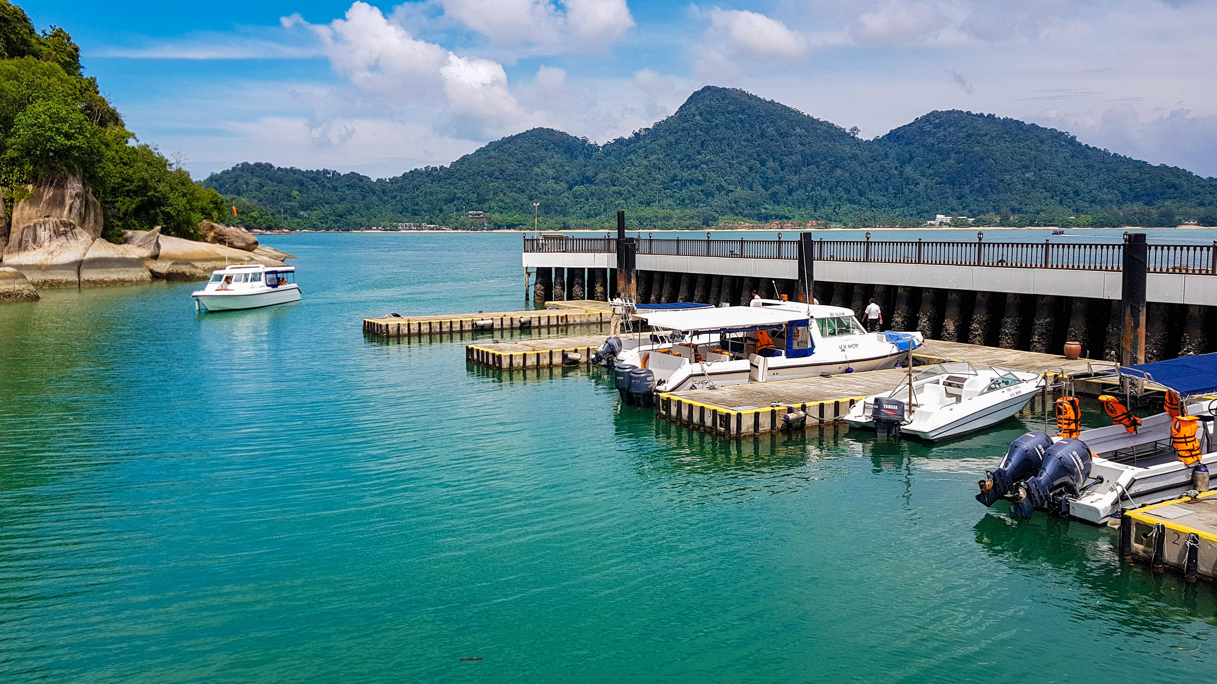 Gulf Craft in Malaysia (12).jpg