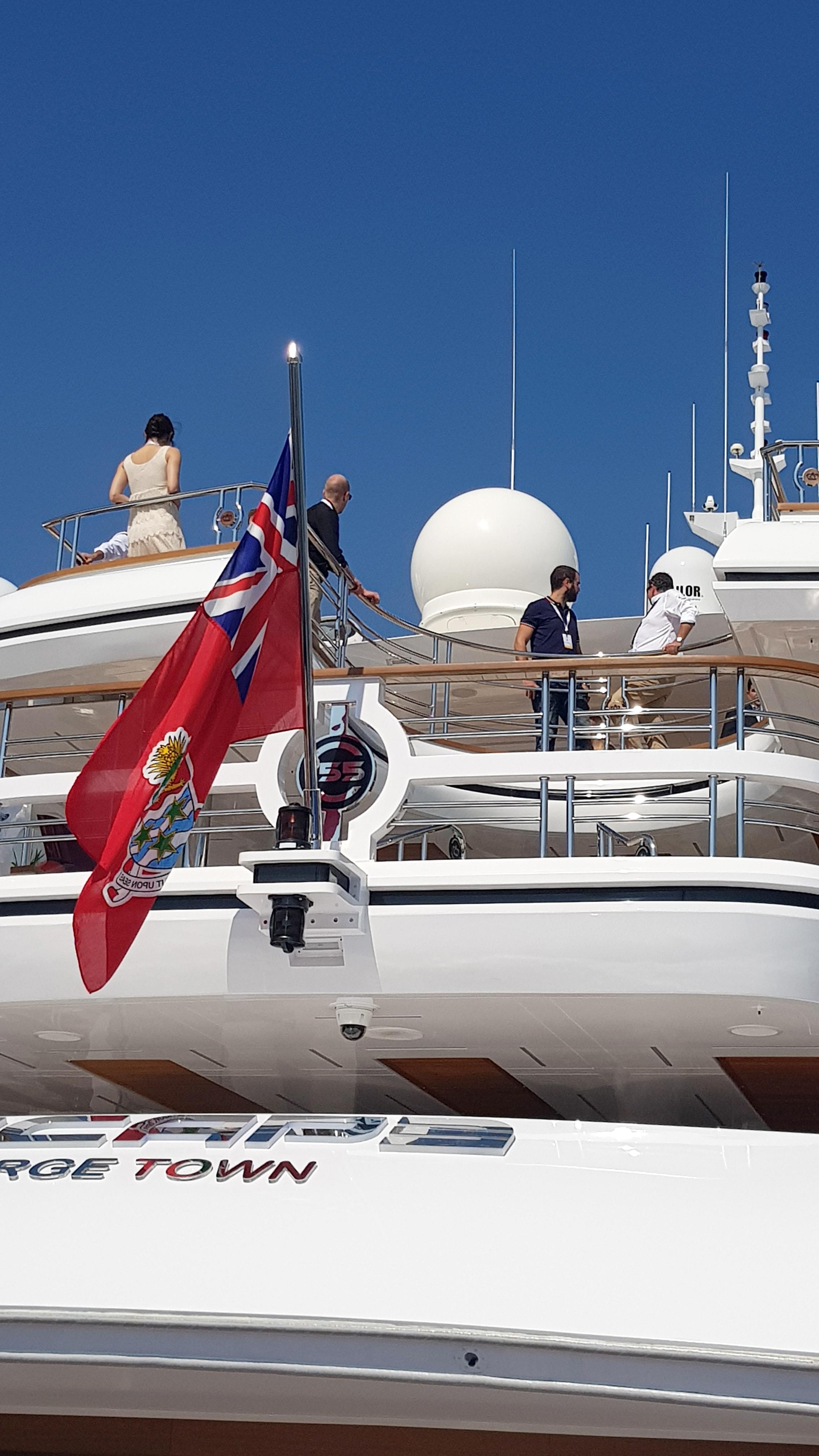 Majesty-155-at-the-Monaco-Yacht-Show-2017-2.jpg