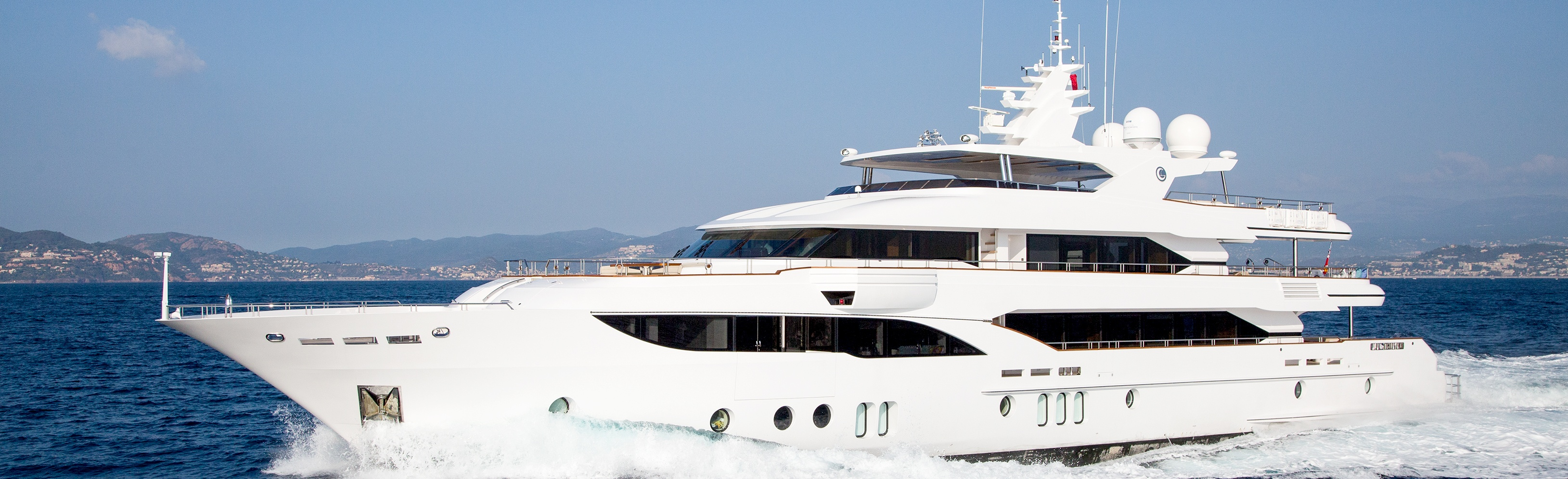 Majesty 155 Article In Motor Boat Amp Yachting Russia