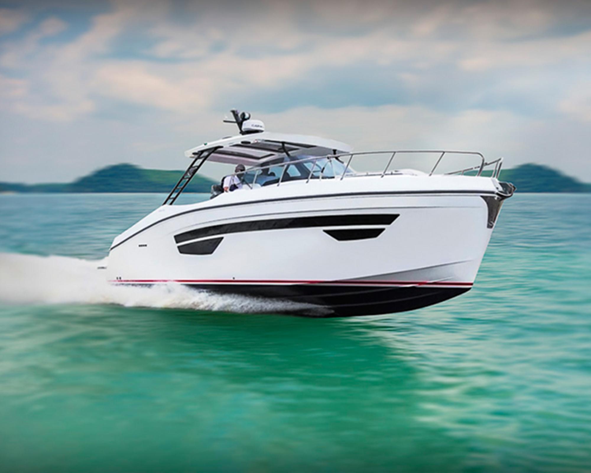The all-new Oryx 379 sport cruiser