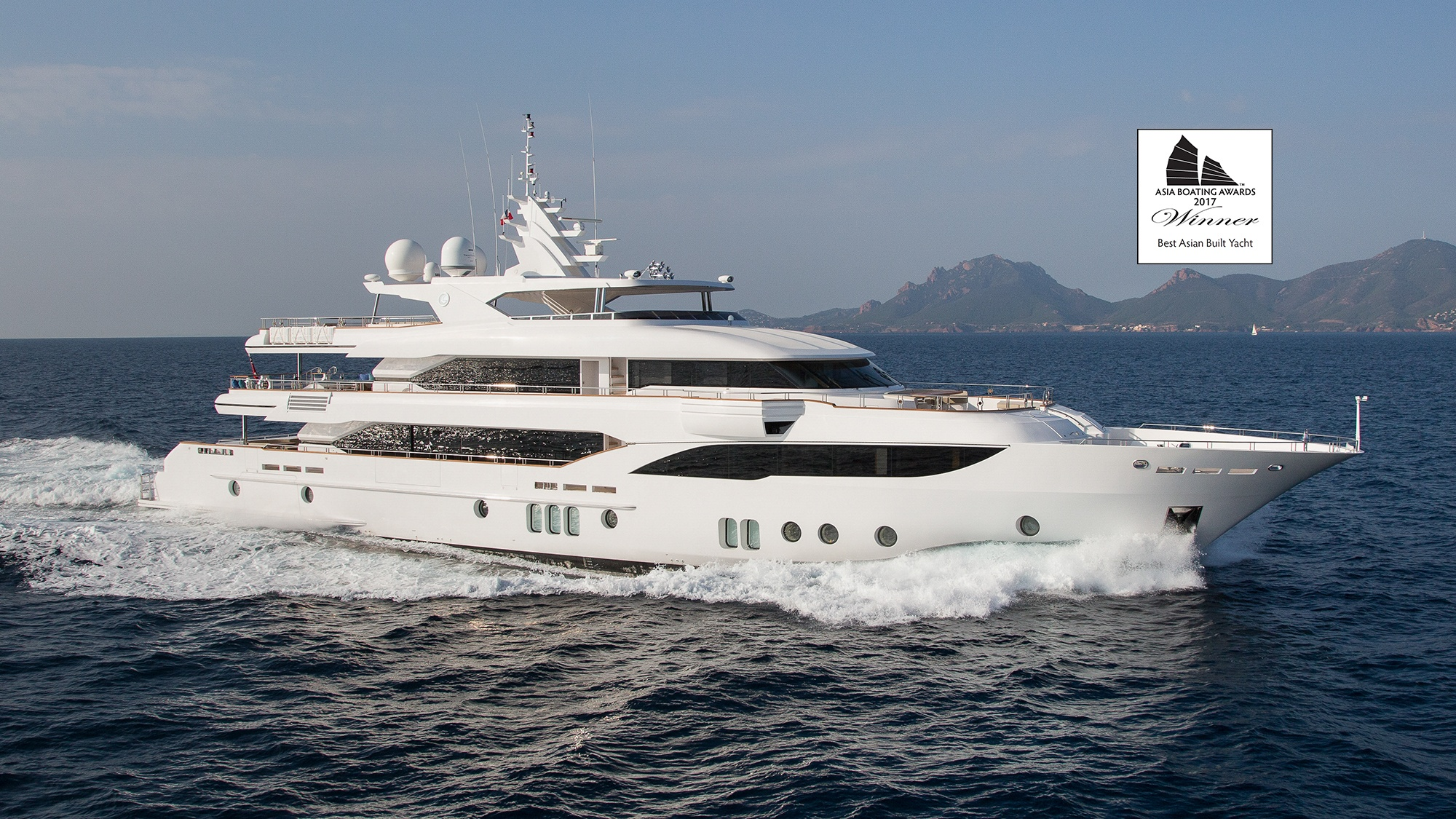 Majesty 155 Wins Best Asian Built Yacht